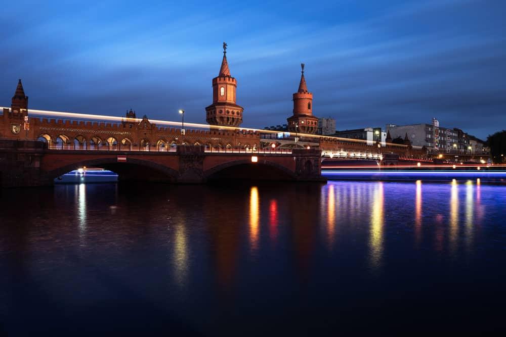 berlin-oberbaumbrucke-night