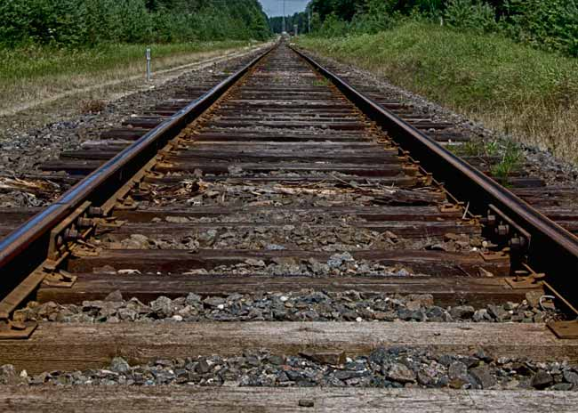 zervynos-lithuania-train-tracks