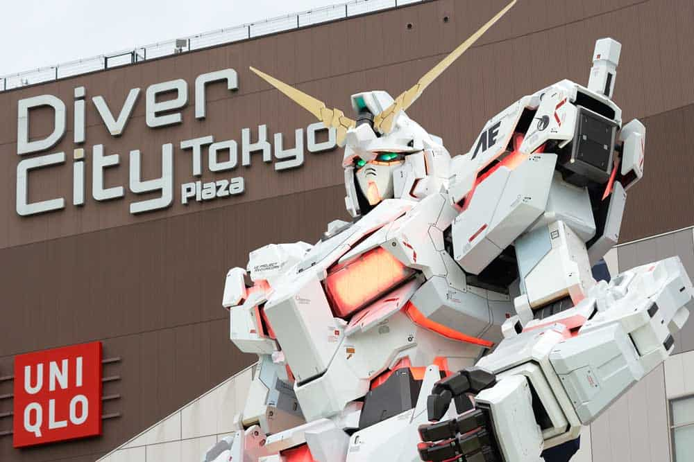 Gundam Statue at Diver City in Odaiba