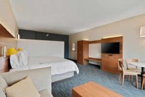 Holiday Inn Express & Suites Orlando Lake Buena Vista