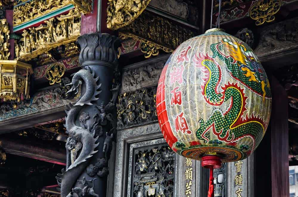Dragon Lantern at Longshan Temple