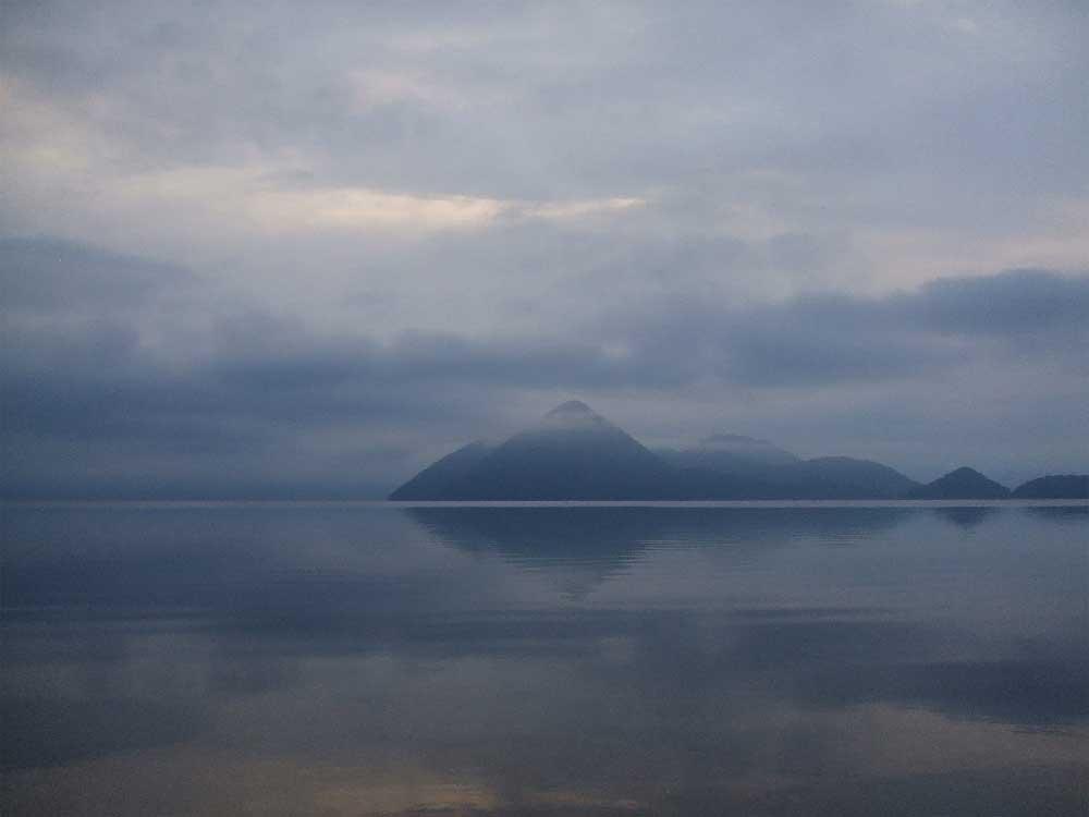 Mist over Lake Toya