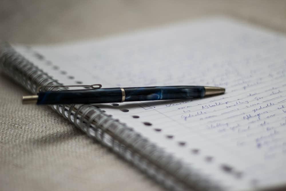 pen-paper-writing