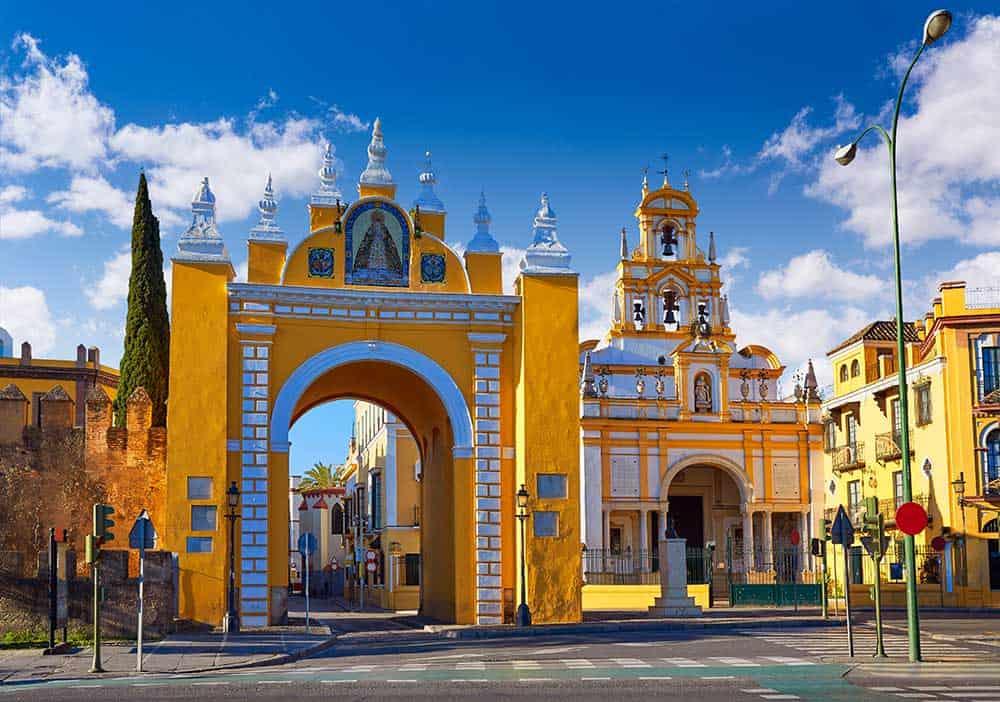 Puerta La Macerena