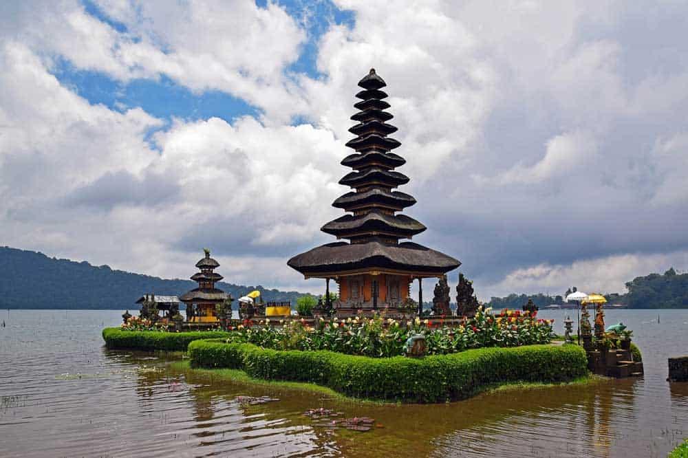 pura-ulun-danu-bratan-temple
