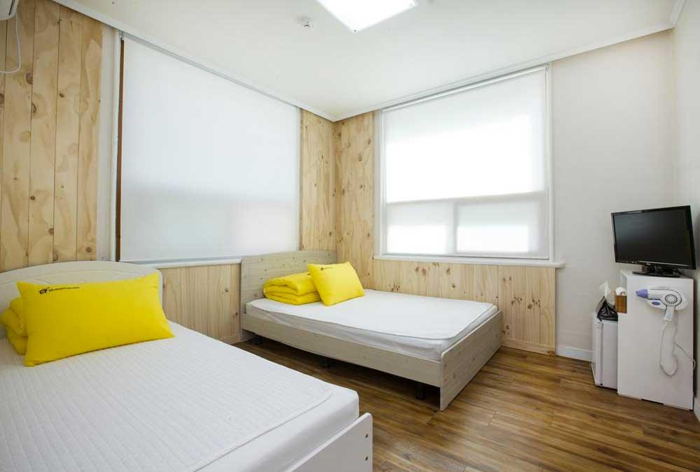 Room @ 24 Guesthouse Namsan Garden