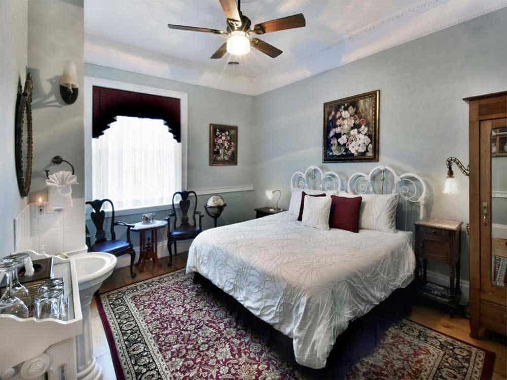 Brockamour Manor Bed & Breakfast