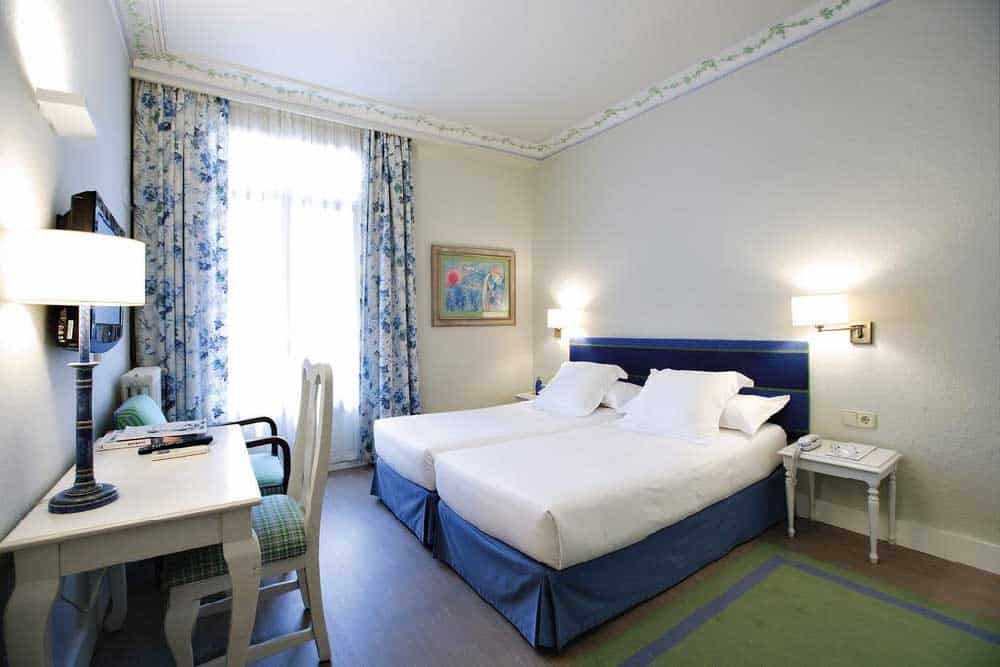 Room Hotel Niza