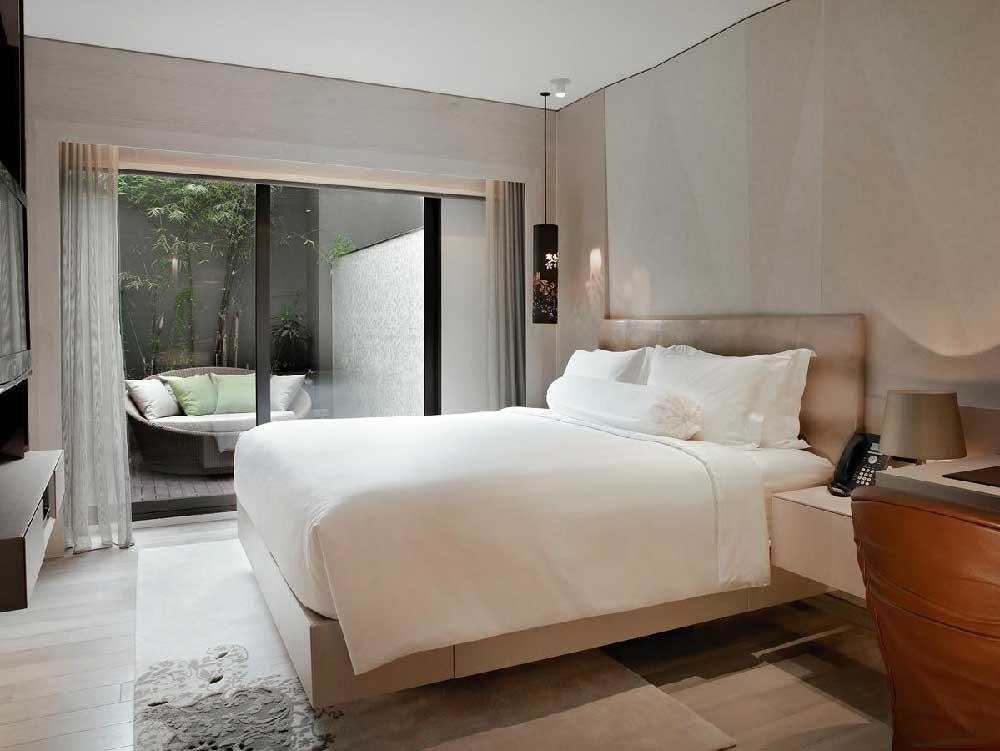 Room Naumi Hotel