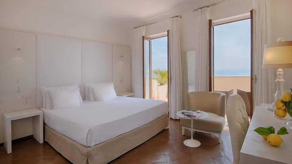 Room NH Collection Grand Hotel Convento di Amalfi