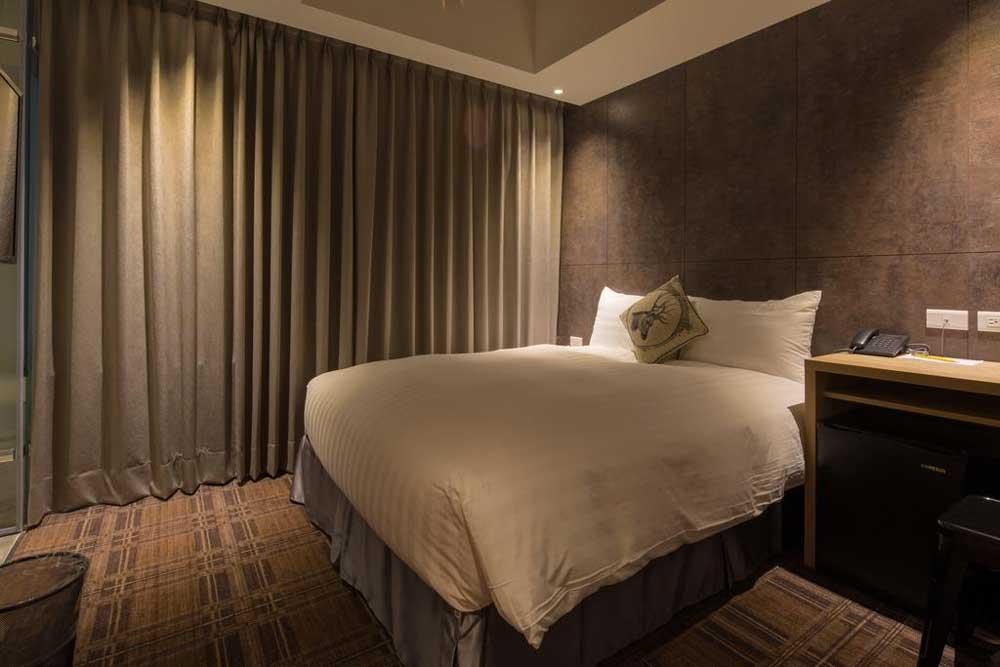 Room @ Roaders Hotel in Ximending, Taipei
