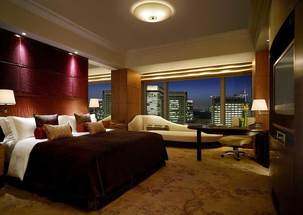 Room @ Shangri-La Tokyo in Tokyo, Japan