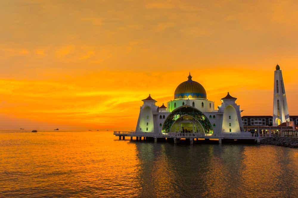 Sunset at Straits Mosque Melaka