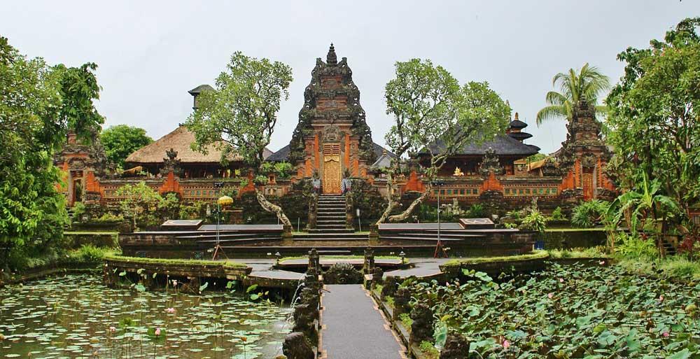 taman-saraswati-temple